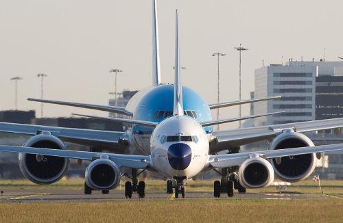 Рейс MH 17. Фото двигателей 777-го выглядит в сравнении с двигателями, да и фюзеляжем Боинга 737