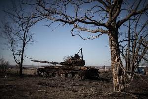 Сгоревшая бронетехника украинской армии в селе Новосветловка