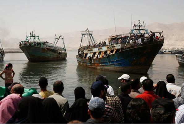 Освободившиеся из плена египетские рыбаки прибыли домой