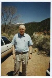 На снимке: Эндрю «Йода» Маршал, руководитель Пентагоновского Управления оценки сетей (ONA) и сопредседатель Горного Форума, на одном из первых собраний Форума в Институте Санта-Фе в 1996 году. В январе 2015 года должен уйти в отставку