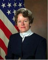 """На фото: Д-р Aнита Джоунз, руководитель Агентства по перспективным оборонным научно-исследовательским разработкам (DARPA) с 1993 по 1997 год и c 1995 по 1997 год сопредседатель созданного Пентагоном """"Горного Форума"""""""