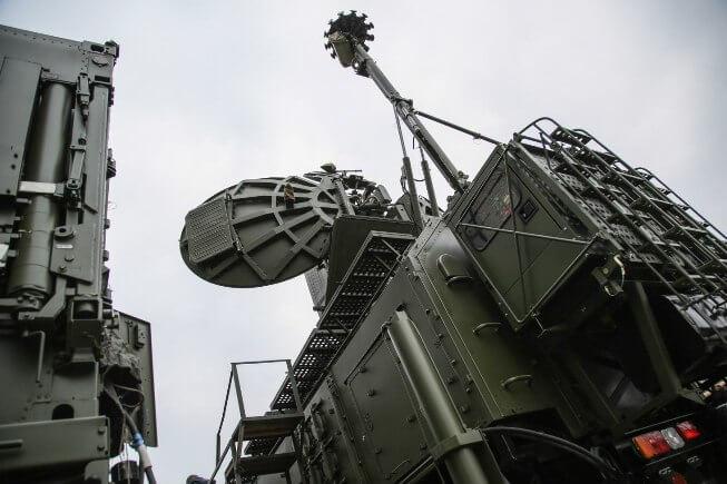 """Многофункциональный мобильный комплекс радиоэлектронного подавления РЭП 1РЛ257 """"Красуха-4"""""""