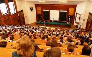 Российская система образования уже под внешним контролем